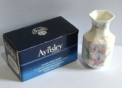 Aynsley Fine Bone China Decorative Little Sweetheart Violet Vase (Small).  • 6.95£