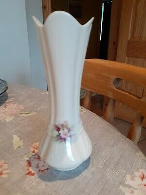 Donegal China Vase • 2.45£