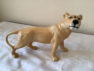 Beswick Lioness Facing Right 2097.  • 20£