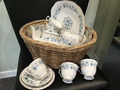 Colclough Braganza 22 Piece Bone China Tea Set For 6 In Lovely Condition • 60£