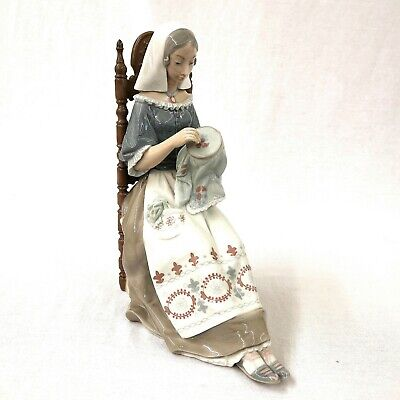 Lladro Embroiderer 48658 Lady Sewing Vintage Retired Salvador Furio • 225£
