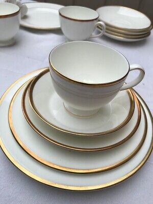 Wedgewood California Bone China 22 Items. Made In England. • 22£