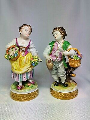 Pair Of Porcelain Figurines Aelteste Volkstedt Germany • 3.20£