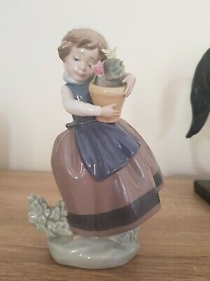 Lladro Daisa 1983 Young Girl Spring Is Here With Pot Of Flowers 5223 • 10£