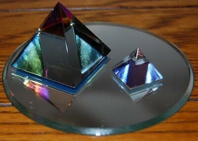 2 Beautiful Prismatic Decorative Crystal Glass Pyramids Ornaments & Tray • 16.99£