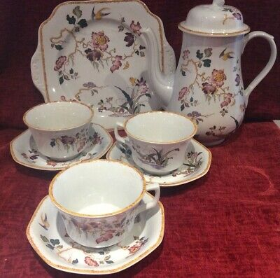 Wegdwood  Devon Rose 3 Large Breakfast Cup And Saucers  Coffee Pot Cake Plate • 25£