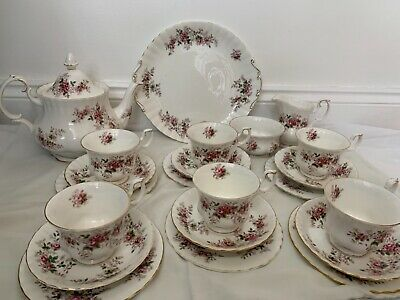 Royal Albert Lavender Rose Bone China Tea Set. 22 Set Piece. • 100£