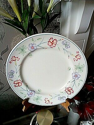 The Boots Co Carnation Dinner Plate 10  (25.5cm) • 5.99£