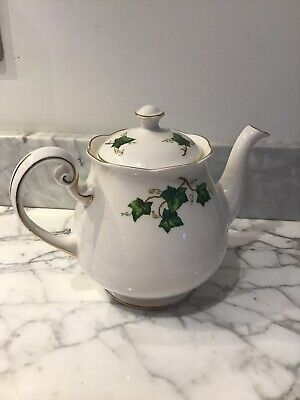 Colclough Ivy Leaf Teapot Very Good Condition • 20£