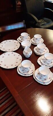 Pretty Vintage Colclough  Pink Rosebud Bone China Tea Set • 30£