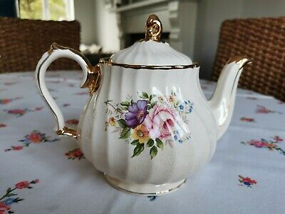 Sadler Vintage Rare Floral Medium Sized Teapot Collectable In Good Condition  • 6.50£