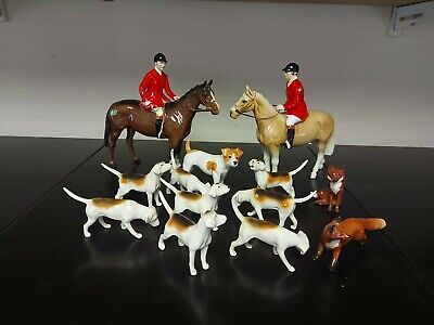 Beswick Huntsman With 9 Hounds & 2 Foxes & A Foreign Huntsman Perfect Condition • 150£