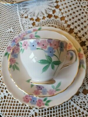 Tuscan Fine Bone China Pink Trio, Teacup, Saucer, Side Plate, W Floral Pattern • 4.90£