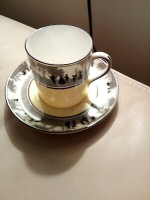 699472:Old Foley Coffee Cans And Saucers  • 4.20£