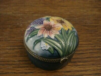 Old Tupton Ware Hand Painted Porcelain Trinket Box Ornament  • 5£