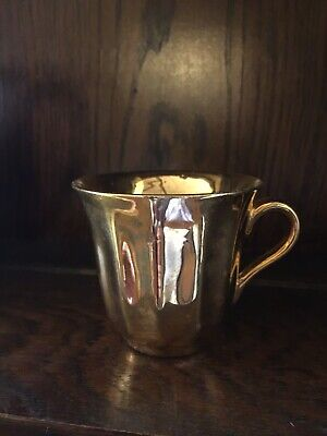 Vintage Preety Little Wade Royal Victoria Gold Coffee / Tea Cup. • 4£