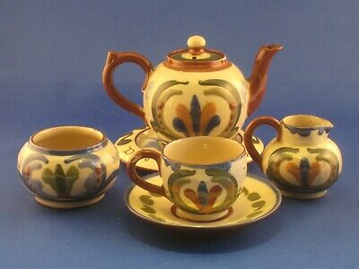Aller Vale Miniature Tea Set . • 45£