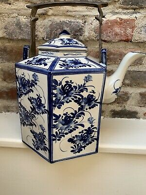 Large Ornamental Blue & White Teapot ... 30 Cm Tall • 7.99£