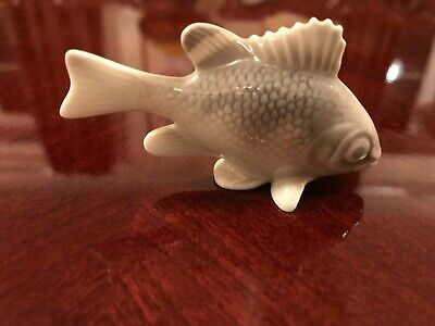 Vintage & Collectable  Porcelain Fish Figurines - Lovely! No Marking On Base • 2.99£