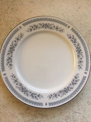 BHS   Hadleigh  Design Dinner Set With A Total Of 59 Items • 18£