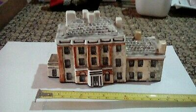 Tey Pottery 'Britain In Miniature'  HIGHGROVE HOUSE  TETBURY  GLOS     EXCELLENT • 10£