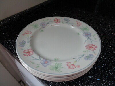 Boots Carnation Dinner Plates X 6 • 30£