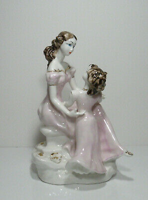 Vintage Painted Porcelain Figurine, Mother And Her Daughter In Pink .  • 29£