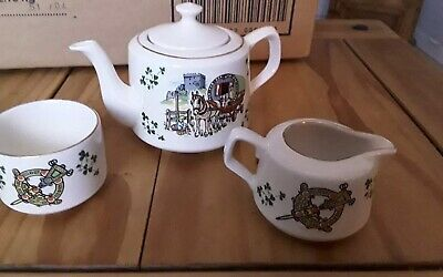 Carrigaline Pottery • 25£