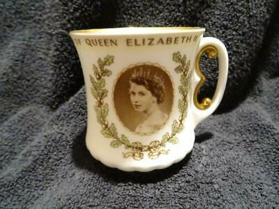 Fine Royal Doulton Elizabeth II Coronation Cup With E Handle • 14.95£
