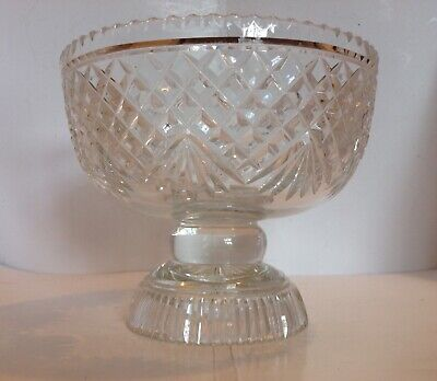 Decorative And Useable Clear Glass Pedestal Bowl • 18£