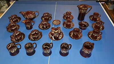 KERNEWEK POTTERY, CORNWALL,COFFEE/TEA SETS PLUS CONDIMENTS AND TANKARDS 1980's • 80£