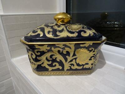 Unusual Lidded Box With Paisley Type Decoration • 14.95£