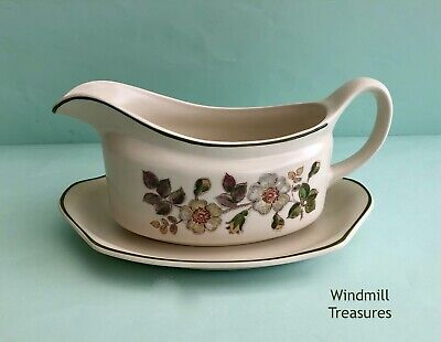 Marks & Spencer Autumn Leaves Large Gravy Boat And Dish - Great Condition • 7.99£