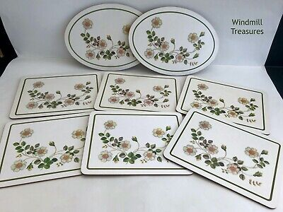 6 MARKS & SPENCER AUTUMN LEAVES PLACEMATS And 2 OVAL STANDS - GREAT CONDITION • 12.99£
