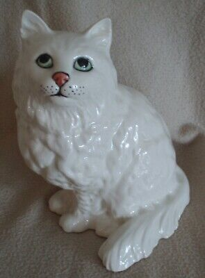Beswick - Large White Persian Cat - Seated - 1867 - Excellent Condition • 35£
