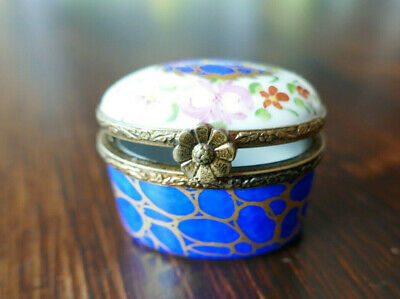 Limoges Porcelain Hinged Pill Trinket Box Signed Hand Painted Peint Main • 8.90£