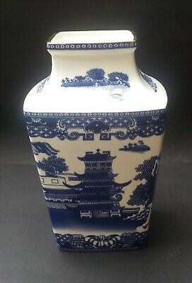 Ringtons Blue And White Willow Story Vase • 10.99£