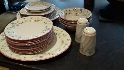 Large Quantity Summer Chintz Johnson Brothers Pottery, Platter, Side Plates Etc • 0.99£