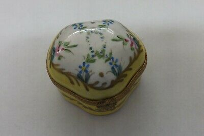 Limoges France Hand Painted Pill Box Flower Design 6cms (1914) • 29.99£