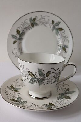 Vintage Tuscan English China Trio Tea Cup Saucer & Plate - Rondeley Leaf Design • 5.99£