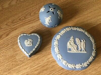 Collection Lot Of 3 Pieces Blue Wedgewood Jasperware Pottery Heart Dish Etc • 0.99£
