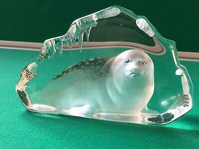 Signed Etched Seal Glass Ornament Used • 35£
