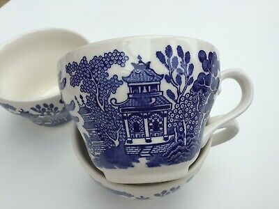 3 Vintage Churchill (cc) Blue & White Willow Pattern Tea Cups • 5.99£