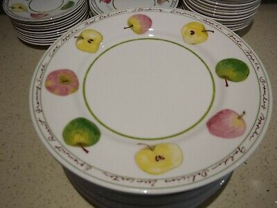So 'country' Lovely Royal Stafford 'Apples' Large, Comprehensive Dinner Service • 125£