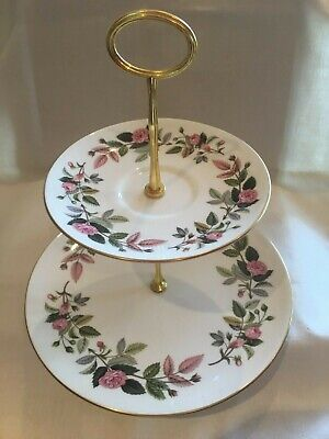 Wedgwood 'Hathaway Rose' 2-tier Cake Stand • 14.50£