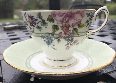 Royal Albert Cup And Saucer In The Hartington Pattern • 18£