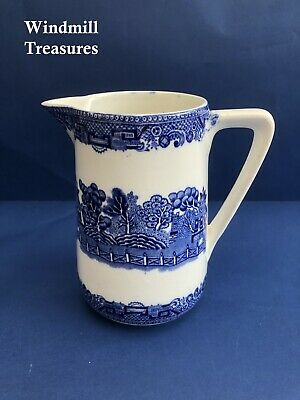 Vintage Ceramic Blue & White Willow Pattern Tall Jug - Good Condition • 11.99£