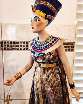 Vintage (1987) Franklin Mint Porcelain Bosque Heirloom Doll Of Queen Nefertiti. • 190.21£