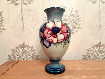 William Moorcroft Vase,Anemone Design,Early Example,Circa 1938 • 35£