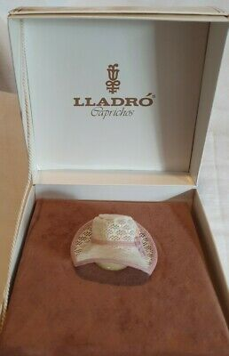 Lladro Caprichos 1565 Pink & White Lace Bonnet With Bow Boxed VGC. Retired Rare. • 139.99£